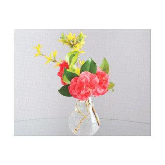 Lienzo Flores hermosas del amarillo del rosa del florero