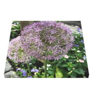Lienzo La púrpura bonita florece la foto de New York City