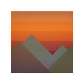 Lienzo Montañas en la puesta del sol