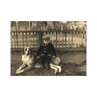 Lienzo muchacho de los 1890's que se sienta en la