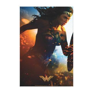 Lienzo Mujer Maravilla que corre en campo de batalla
