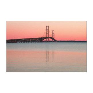 Lienzo Puente de Mackinac, Michigan