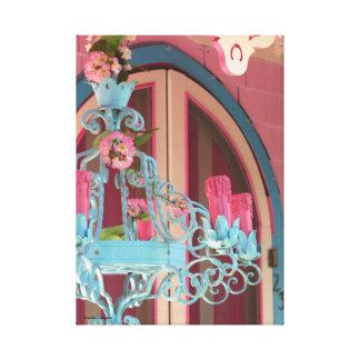 Lienzo Puerta y candelabros rosados de la cabaña del pan