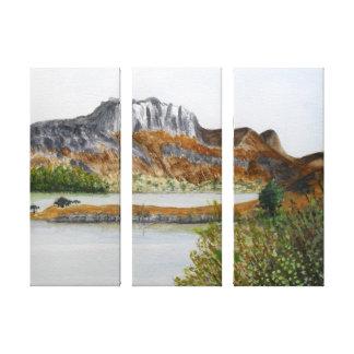 Lienzo Slioch y lago Maree-Wester Ross
