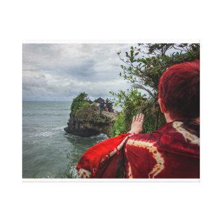 Lienzo Templo mágico en Bali, Indonesia del mar de la
