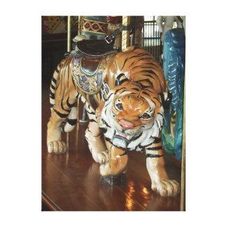 Lienzo Tigre disimulado