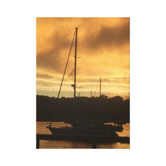 Lienzo Velero en la puesta del sol
