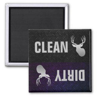 Limpie el imán sucio del lavaplatos del dólar de