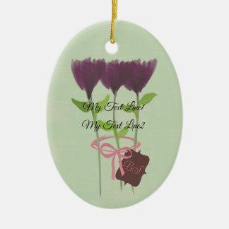 Lindo añada el ornamento púrpura de las flores del