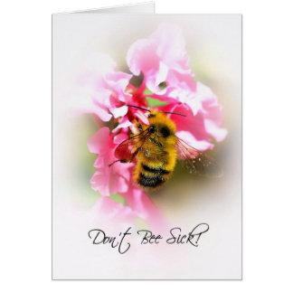 Lindo consiga bien pronto, manosean la abeja en la tarjeta de felicitación