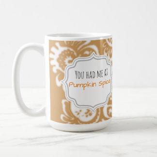 Lindo y elegante usted me tenía en la especia de taza de café
