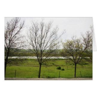 Línea de árboles tarjeta de felicitación