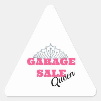 Línea de la reina de la venta de garaje pegatina triangular