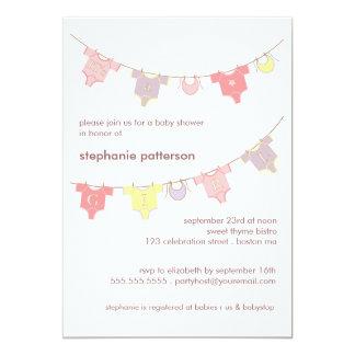 Línea de ropa dulce del bebé es una fiesta de invitación 12,7 x 17,8 cm