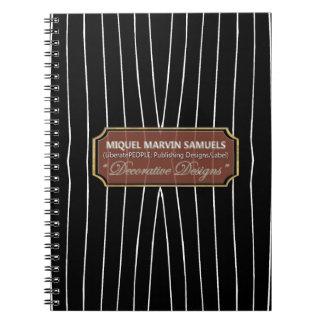 Líneas blancas cuaderno moderno del descenso negro