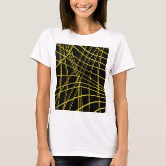 Líneas deformadas negras y amarillas camiseta