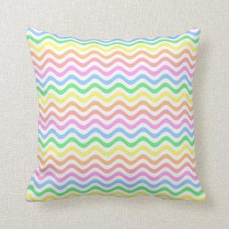 Líneas en colores pastel onduladas cojin