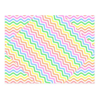 Líneas en colores pastel onduladas postal