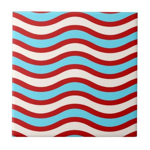 Líneas onduladas blancas rayas de la turquesa roja teja cerámica