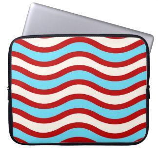 Líneas onduladas blancas rayas de la turquesa roja funda computadora