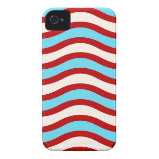 Líneas onduladas blancas rayas de la turquesa roja funda para iPhone 4