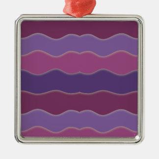 Líneas onduladas ornamento cuadrado púrpura adorno navideño cuadrado de metal
