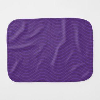 Líneas onduladas púrpuras modelo paños de bebé