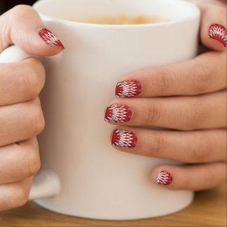 Líneas onduladas rojas arte para uñas