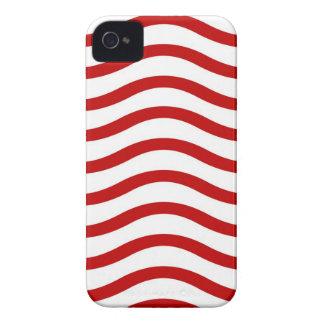 Líneas onduladas rojas y blancas regalos de la div Case-Mate iPhone 4 carcasa