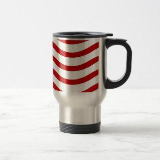 Líneas onduladas rojas y blancas regalos de la div taza