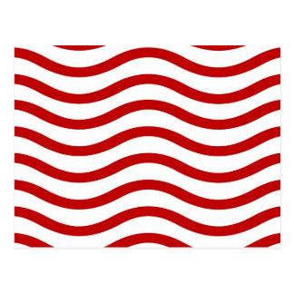 Líneas onduladas rojas y blancas regalos de la postal
