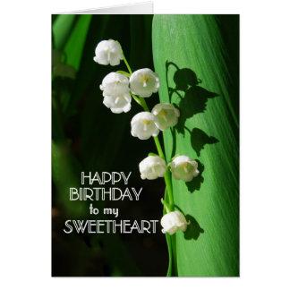 Lirio de los valles del amor del feliz cumpleaños tarjeta de felicitación