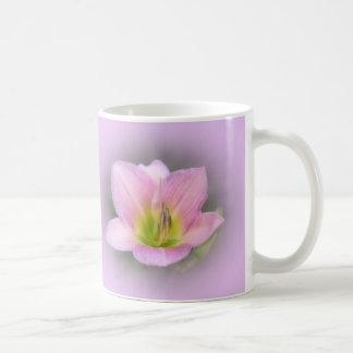 Lirio ideal en rosa - Daylily Taza De Café