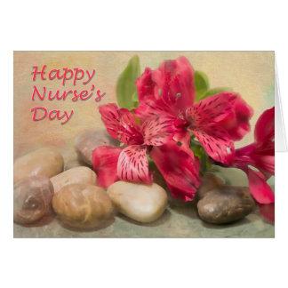 Lirio rojo del día feliz de las enfermeras de la t tarjeta de felicitación