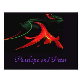 Lirio rojo púrpura floral del boda elegante invitación 10,8 x 13,9 cm