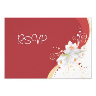 Lirios blancos en tarjeta del día de San Valentín Invitación Personalizada