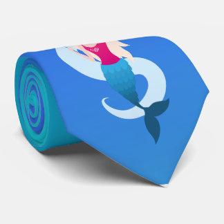 Little mermaid con el ejemplo del espejo y de la corbata personalizada