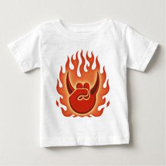 Llamas de la roca del diablo camiseta de bebé