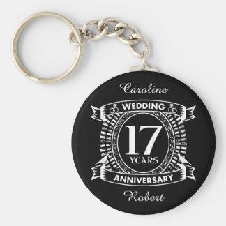 Llavero 17mo aniversario de boda blanco y negro