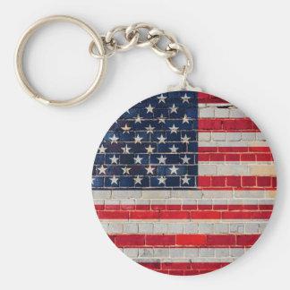 Llavero Bandera de América en una pared de ladrillo
