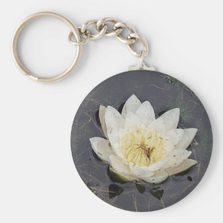 Llavero flor blanqueada de rosa de lago
