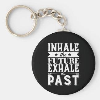 Llavero La cita de la motivación inhala el futuro exhala