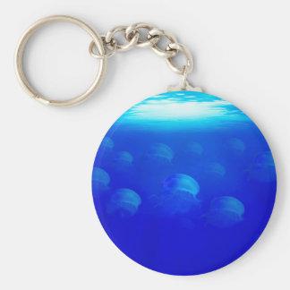 Llavero Medusas azules del grupo en la natación de Océano