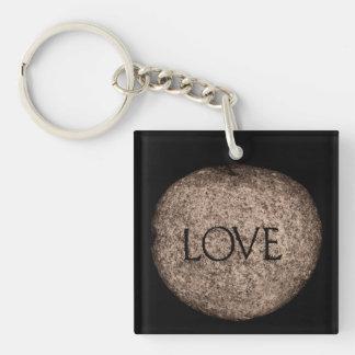 """Llavero Piedra tallada del """"amor"""" en sepia"""