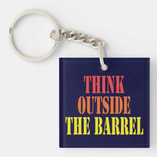 Llavero Piense fuera del barril