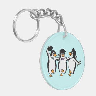 Llavero Pingüinos del baile de la graduación -