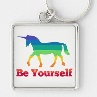 Llavero Sea usted mismo unicornio del arco iris