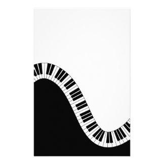 Llaves curvadas onduladas del piano papelería
