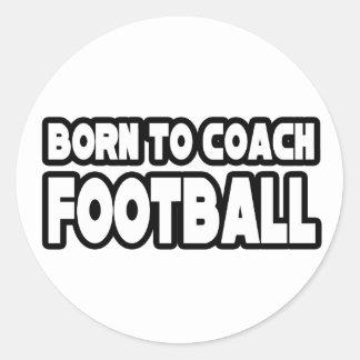Llevado entrenar fútbol pegatina redonda