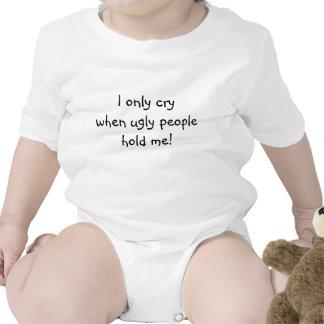 Llorando para la enredadera fea, infantil, blanca traje de bebé